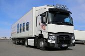White Renault T460 Truck for Long Haul