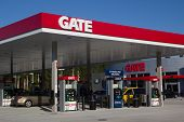 JACKSONVILLE, FL - APRIL 21, 2014: A Gate Petroleum gas station in Jacksonville. Gate Petroleum is h