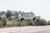 Giant Land Rover in Abu Dhabi