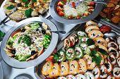 buffet catering arangement de comida na mesa