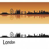 Ciudad de Londres en fondo naranja