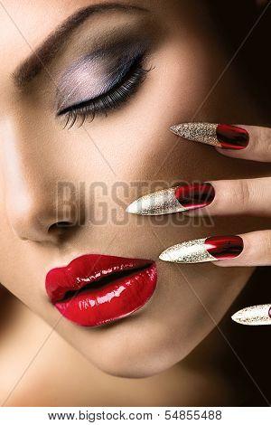 Fashion Beauty Model Girl Manicure And Make Up Nail Art Beautiful