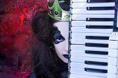 picture of evil queen  - Mad queen - JPG