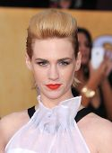 LOS ANGELES - JAN 27:  January Jones arrives to the SAG Awards 2013  on January 27, 2013 in Los Ange