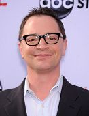 LOS ANGELES - MAY 16:  Joshua Malina arrives to the