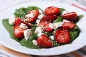 Vitamin Salad With Strawberries, Spinach And Sesame