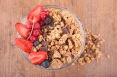 muesli and berry