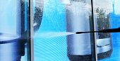 picture of pressure-wash  - washing of a glass show - JPG