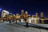 Постер, плакат: Boston Custom House at night USA