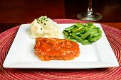 Swiss steak with mashed potatoes and green beans