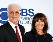 LOS ANGELES - MAY 19:  Ted Danson, Mary Steenburgen at the CBS Summer Soiree at the London Hotel on