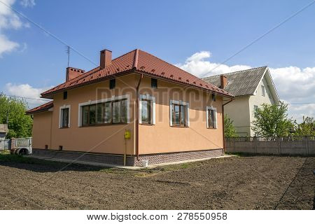 New Built Onestore Cottage House