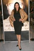 Mimi Rogers   at the Los Angeles Premiere of 'The Curious Case of Benjamin Button'. Mann's Village T
