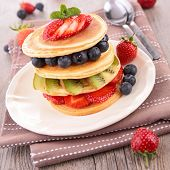 pancake and berry