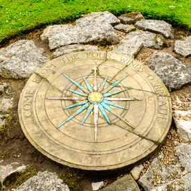 pic of wind-rose  - A compass rose in a small park next to York - JPG