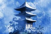 Постер, плакат: Zen буддийский храм в туманную ночь