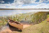 Kanu im tropischen Paradies Erfahrung Freiheit zu erkunden und Abenteuer in Mareeba Feuchtgebiete Queensland ein