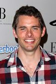 LOS ANGELES - OCT 27:  James Marsden arrives at EBMRF And PlayStation Epic Halloween Bash at Private