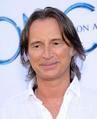 LOS ANGELES - SEP 21:  Robert Carlyle arrives to the