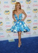LOS ANGELES - AUG 10:  Bella Thorne arrives to the Teen Choice Awards 2014  on August 10, 2014 in Los Angeles, CA.