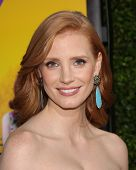 LOS ANGELES - AUG 09:  JESSICA CHASTAIN arrives to the