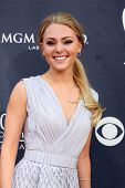 LAS VEGAS - APR 3:  AnnaSophia Robb arriving at the Academy of Country Music Awards 2011 at MGM Grand Garden Arena on April 3, 2011 in Las Vegas, NV.