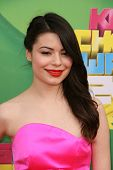 LOS ANGELES - APR 2:  Miranda Cosgrove arriving at the 2011 Kids Choice Awards at Galen Center, USC on April 2, 2011 in Los Angeles, CA