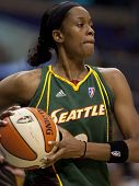 LOS ANGELES, CA. - SEPTEMBER 16: Swin Cash looking to pass the ball during the WNBA playoff game of