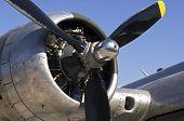 Hélice e o motor de um bombardeiro B-17