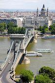 Vista da ponte da cadeia em Budapeste, Hungria