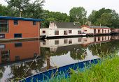 Hausboote im Kanal