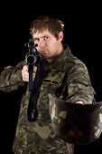 foto of m16  - Soldier with m16 begging - JPG