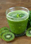 fresh green juice kiwi and mint in a glass