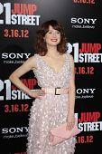 LOS ANGELES - MAR 13:  Ellie Kemper arrives at the