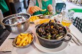 Table with mussels