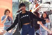NEW YORK-AUG 19: Singer Jennifer Hudson performs in concert at NBC's 'Today Show' at Rockefeller Pla