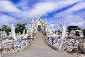 Wat Rong Khun, Road To Temple.