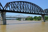 Bridges over the Ohio River from Kentucky to Indiana.