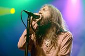 ATLANTIC CITY, NJ - AUGUST 29: Chris Robinson of The Black Crowes performs at The Borgata Hotel & Casino on August 29, 2009 in Atlantic City, NJ.