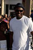 LOS ANGELES - JUL 19:  Idris Elba arriving at the