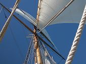 pic of sailing-ship  - Close - JPG
