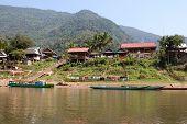 Vila piscatória Muang Ngoi Neua, no Laos