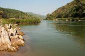 picture of ou  - Scenery river Nam Ou in Laos between Nong Kiao und Muang Ngoi Neua - JPG