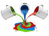 Color pintura vertiendo de cubos y mezcla