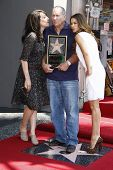 LOS ANGELES - AUG 30: Katey Sagal, Ed O'Neill, Sofia Vergara at a ceremony where actor Ed O'Neill receives a star on the Hollywood Walk of Fame on August 30, 2011 in Los Angeles, California