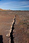Linha de fissura de terremoto