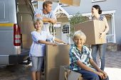 pic of moving van  - Family moving house - JPG