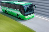Grüne Bus