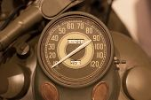 Постер, плакат: Old Style Of Motorcycle Speedometer