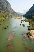 Rio Nam Ou perto de Nong Khiao no Laos